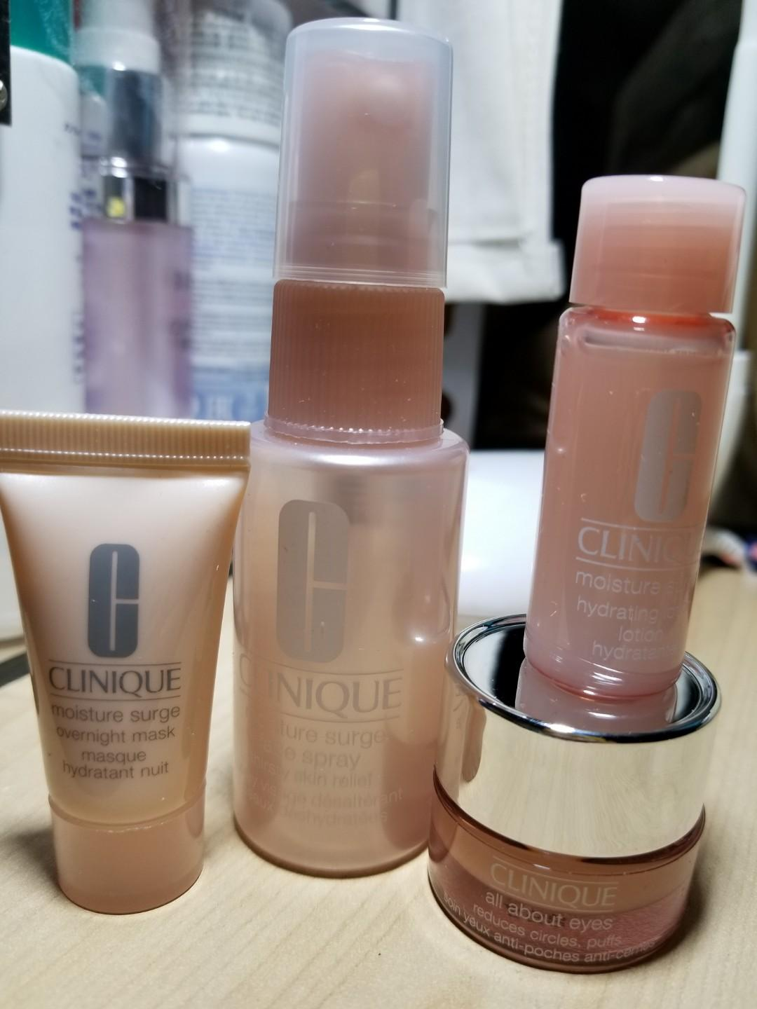 Clinique Moisture Surge travel set