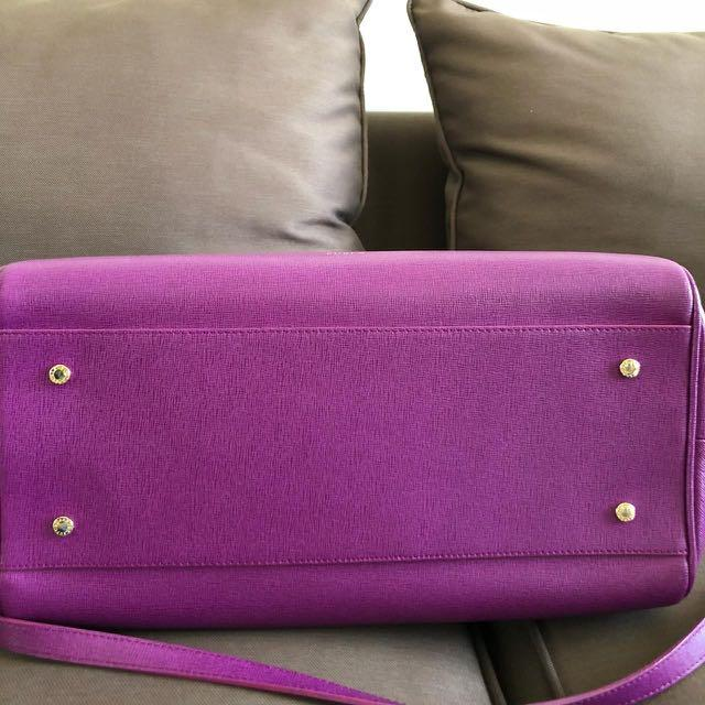 furla handbag warna purple magenta kondisi 8/10 include dustbag
