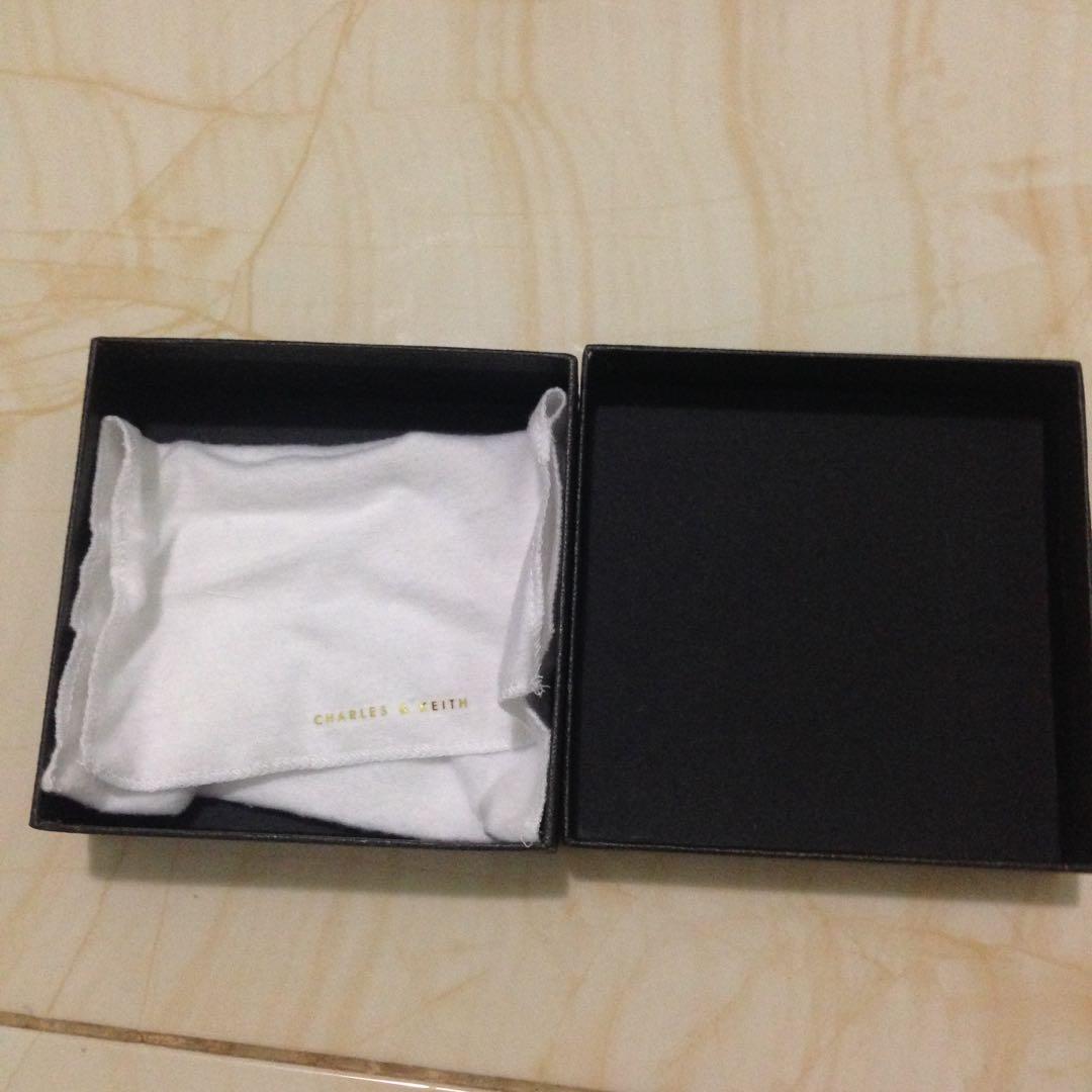 Kotak card holder