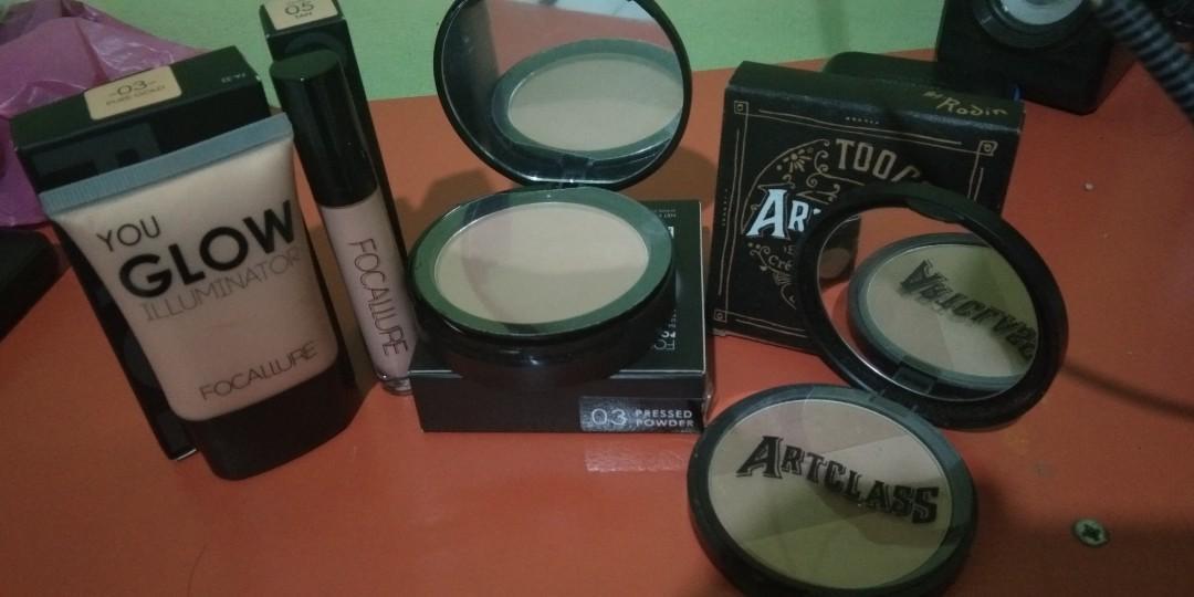 Paket Make-up Focallure dan Artclass Contour