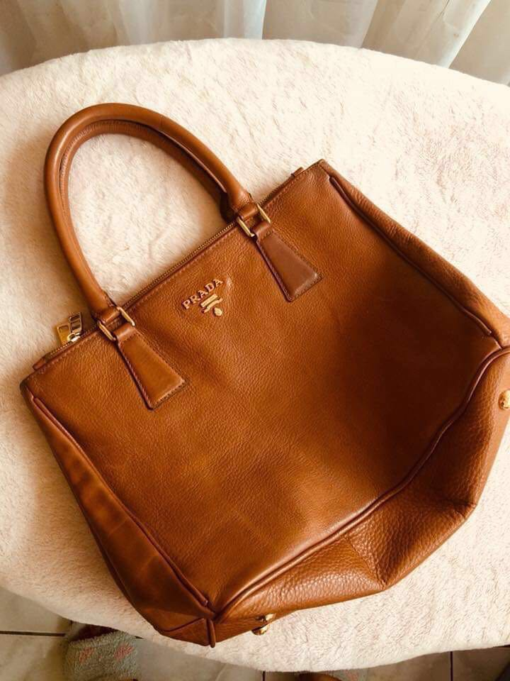 1720fa506559 Prada Galleria Large Saffiano Leather Bag, Luxury, Bags & Wallets on  Carousell