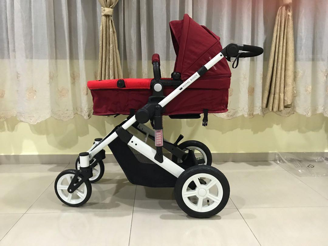 Royal Kiddy Voyager stroller with car seat carrier
