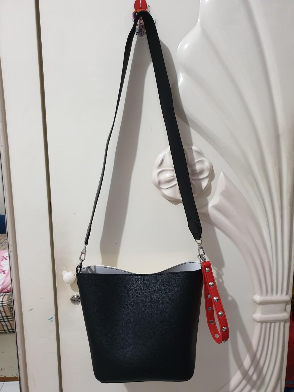 Tas Miniso Sling Bag Like Find Kapoor SALE ! Limited 1 aja