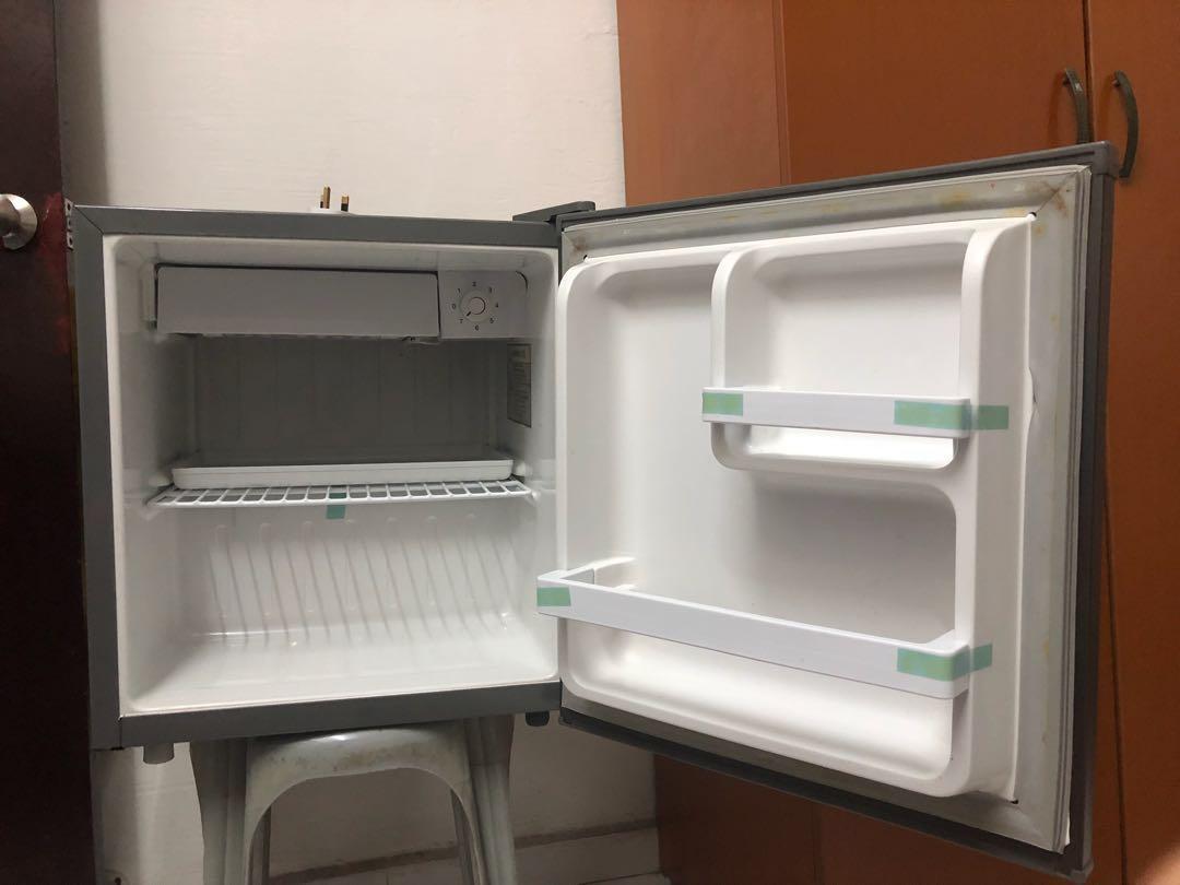 Tecno mini fridge