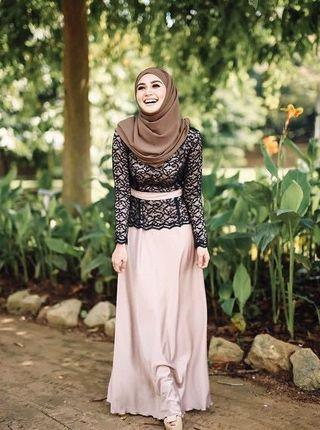 Dresses fully lace satin silk by Wawa Zainal Authentic