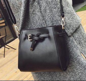 [PO-KW] Uzzlang Sling Bag