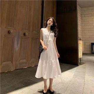 🚚 V領空無袖長洋裝