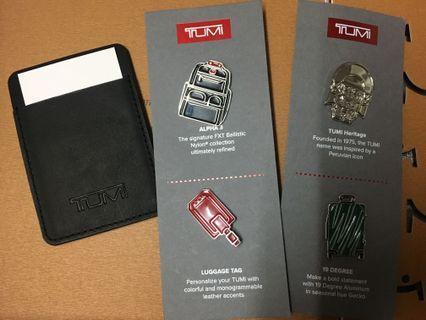 Tumi gift set ( Card holder + pins)