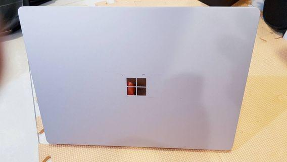 Surface laptop i5/4G/128G 銀色 機子100%正常使用