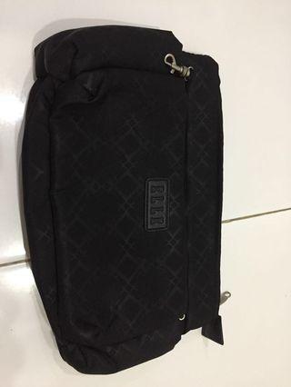 Elle pouch FREE untuk pembelian Gucci tote bag