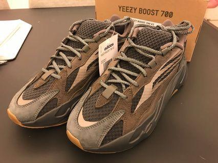 Yeezy 700 Geode (US10)