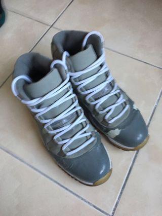 🚚 Air Jordan 11 cool grey us11