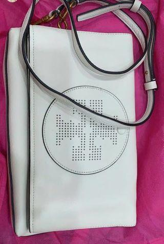 Torri burch sling bag white very good condition