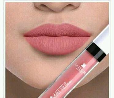 Stay lip cream latulip no.08 cuman di coba aja g cocok warnanya minat silahkan WA:085713081309