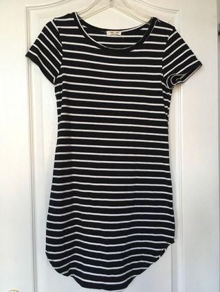 Striped Dress - L