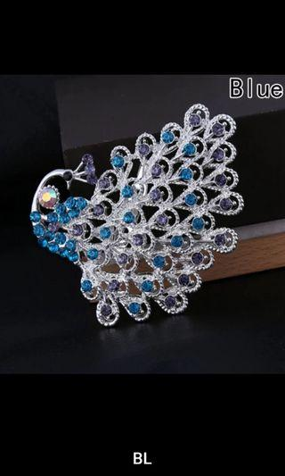 New Fashion Personality Female Peacock Brooch Beautiful Animal Bird Crystal Brooches