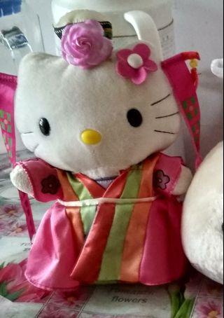 Hello kitty 8吋毛公仔