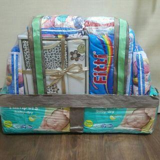 SALE☇[RP$150] Brand New Big Baby Hamper (Gift Set & Diapers)