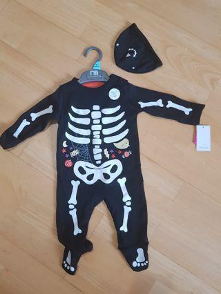 New mothercare bodysuit 0-3 mths