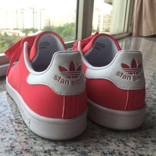 Adidas Stan Smith In Coral (US 6.5)