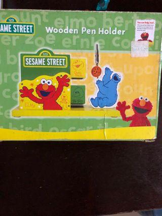 SESAME Street Wooden Pen Holder 2nd hand 2手木筆座
