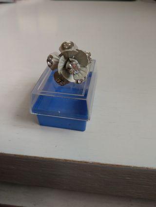花戒指(附盒子)