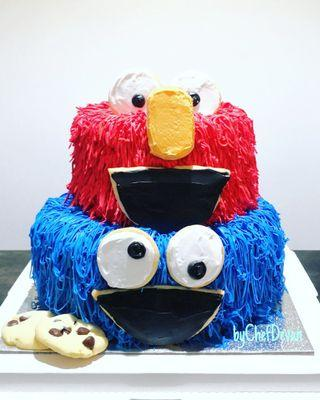 🚚 Cookie Monster and Elmo Cake