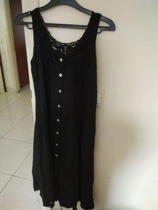 Dress hitam katun