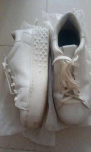 🚚 Esh shoe