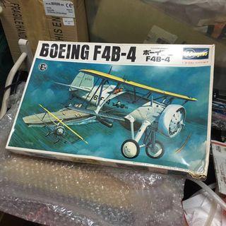 Boeing F4B-4 Hasegawa 1/32 revell tamiya