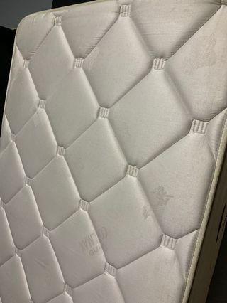 🚚 Single mattress with divan .Vono. 22 cm thick