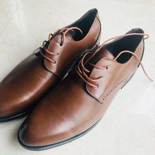 Faux leather shoes size 43 (NEW!!)