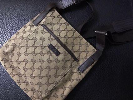 Gucci vintage cross body bag