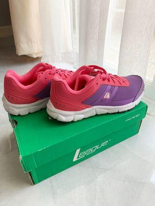 LEAGUE Running Shoes