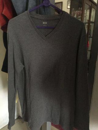 Long Sleeve T-shirt (V-neck) Uniqlo