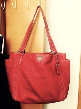 正紅色Prada 手袋 👜