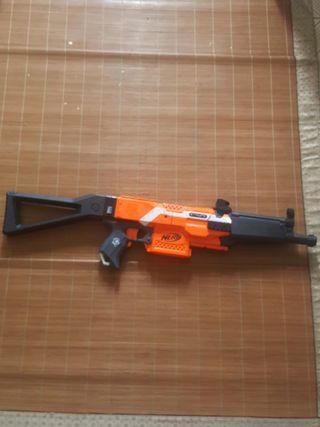🚚 Nerf Stryfe with MP-5 kit.