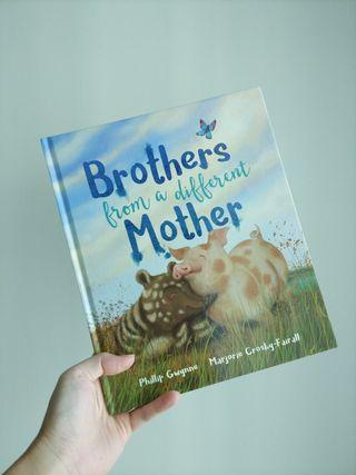 🌈 4.2星评价🌈 Brothers from a different mother ( hardback )