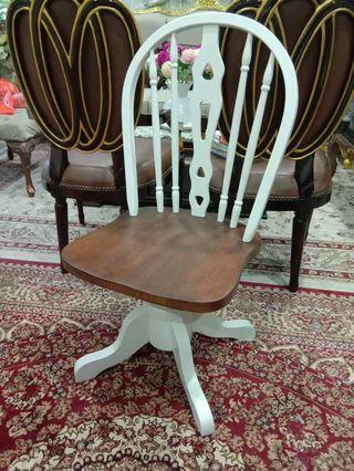 Windsor chair (rotate) kerudi boleh pusing