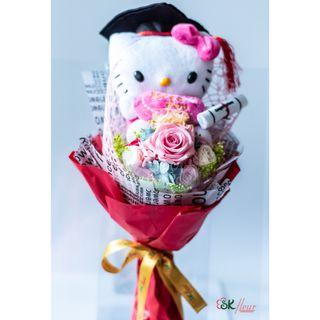 NEW JOURNEY - A GRADUATION HELLO KITTY WITH A PRESERVED ROSE BOUQUET