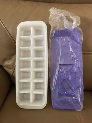 🚚 Tupperware Ice Cube Tray