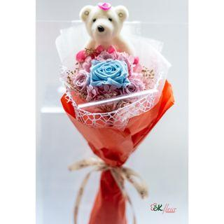 1 CUTE BEAR WITH PRESERVED ROSE BOUQUET