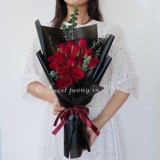 Red roses fresh flower bouquet by Korean florist