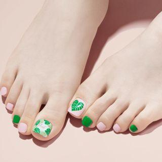 Dashing Diva x Etude House Press On Pedicure
