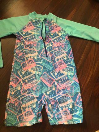 🚚 Swimming suit