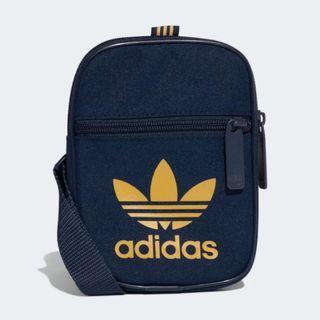 Adidas Originals 全新 深藍色 運動 休閒 戶外 街頭 肩背包 斜背包 隨身包 小包 DV2408