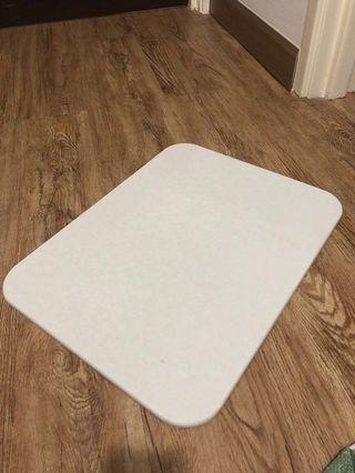Ultra-absorbent Diatomite Bath Mat