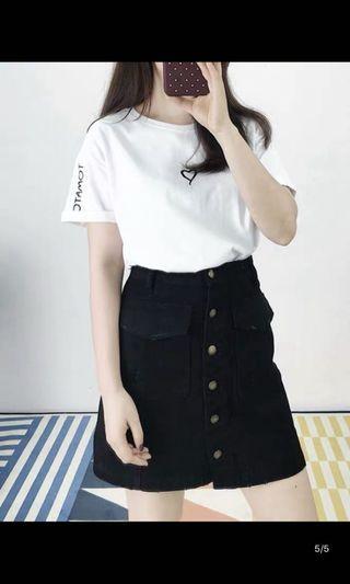 🚚 韓版簡約白色愛心上衣