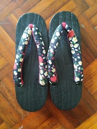 Geta / Japanese slipper