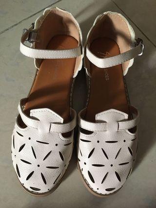 涼鞋 少女風